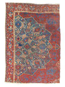 Antique madellion ushak fragment